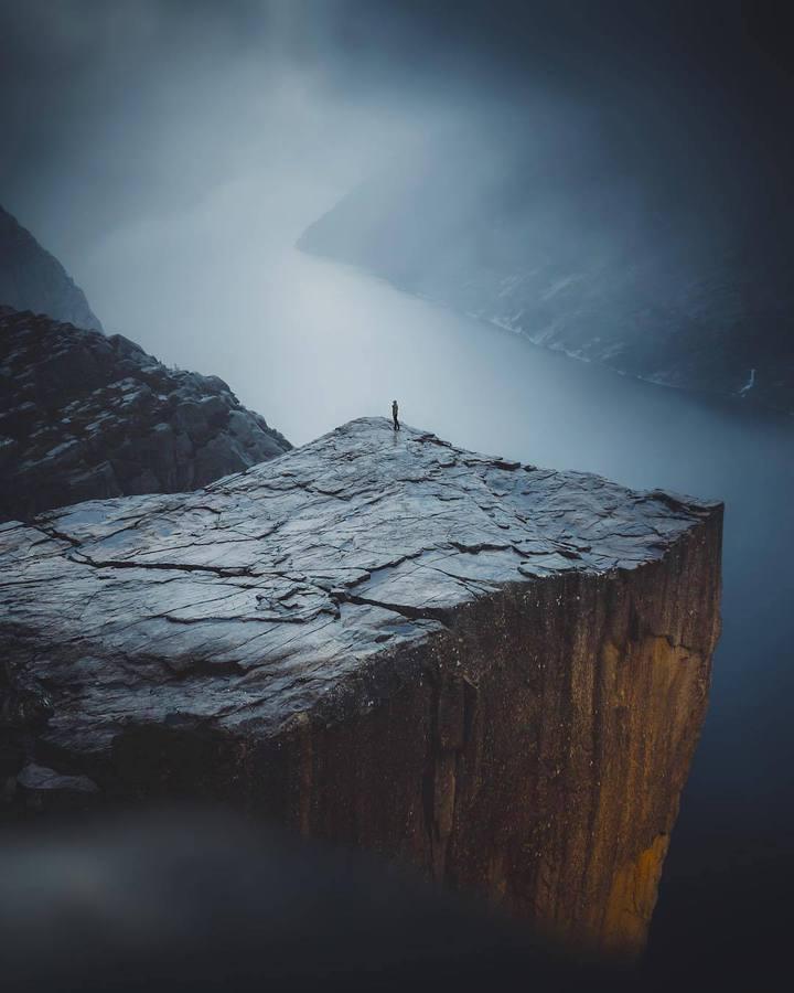 Висока скала