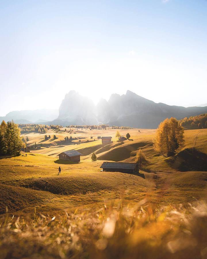 Долина и къщи