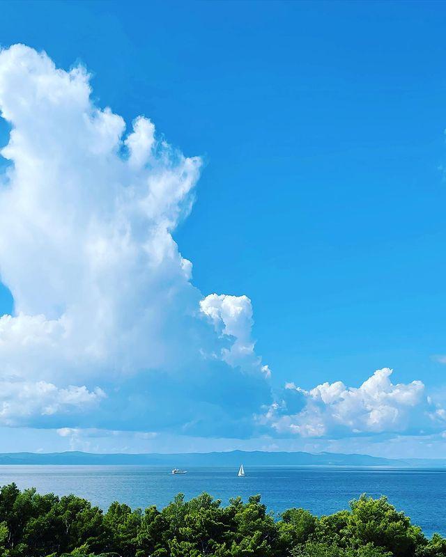 Облаци в морето