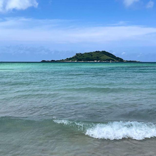 Море и остров