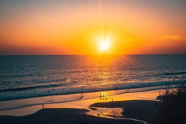 Плажа и морето