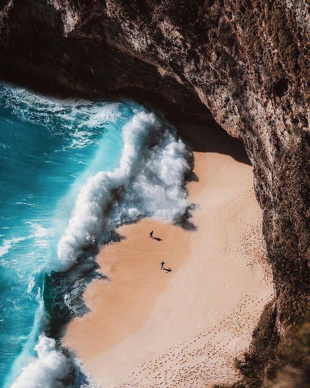 Вълни и плаж