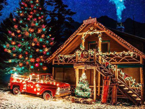 Коледна къща с кола