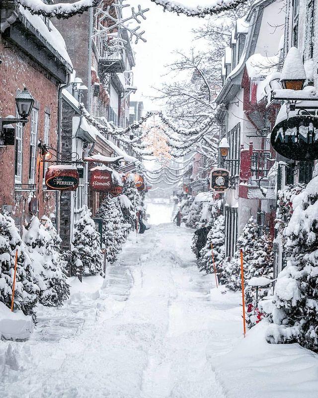 Зима в града