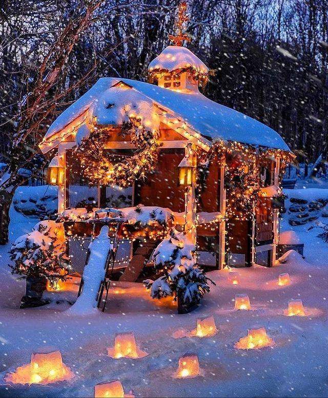 Коледна къща